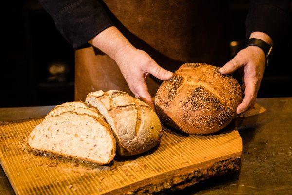 Workshop brood bakken op de barbecue